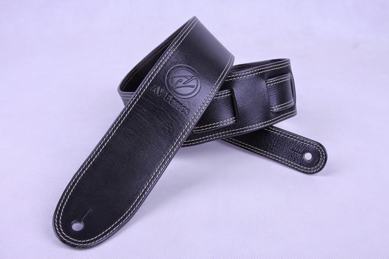 http://4.bp.blogspot.com/-Kg7vveHcneA/U2lNvBhhKvI/AAAAAAAAEOA/EH4W7Ux4CNU/s1600/AV+Basses+Leather+strap+Black_Silver.jpg