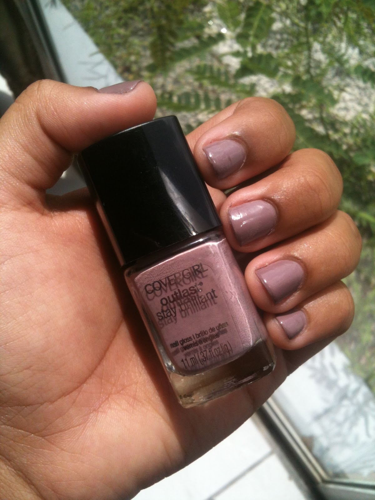 Versace of Curvy: NOTD: CoverGirl Smokey Taupe