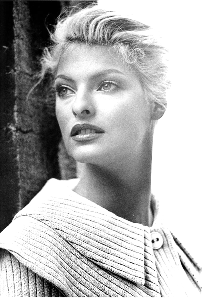 Linda Evangelista photographed by Karl Lagerfeld for Chloe Autumn/Winter 1995 campaign via fashioned by love british fashion blog