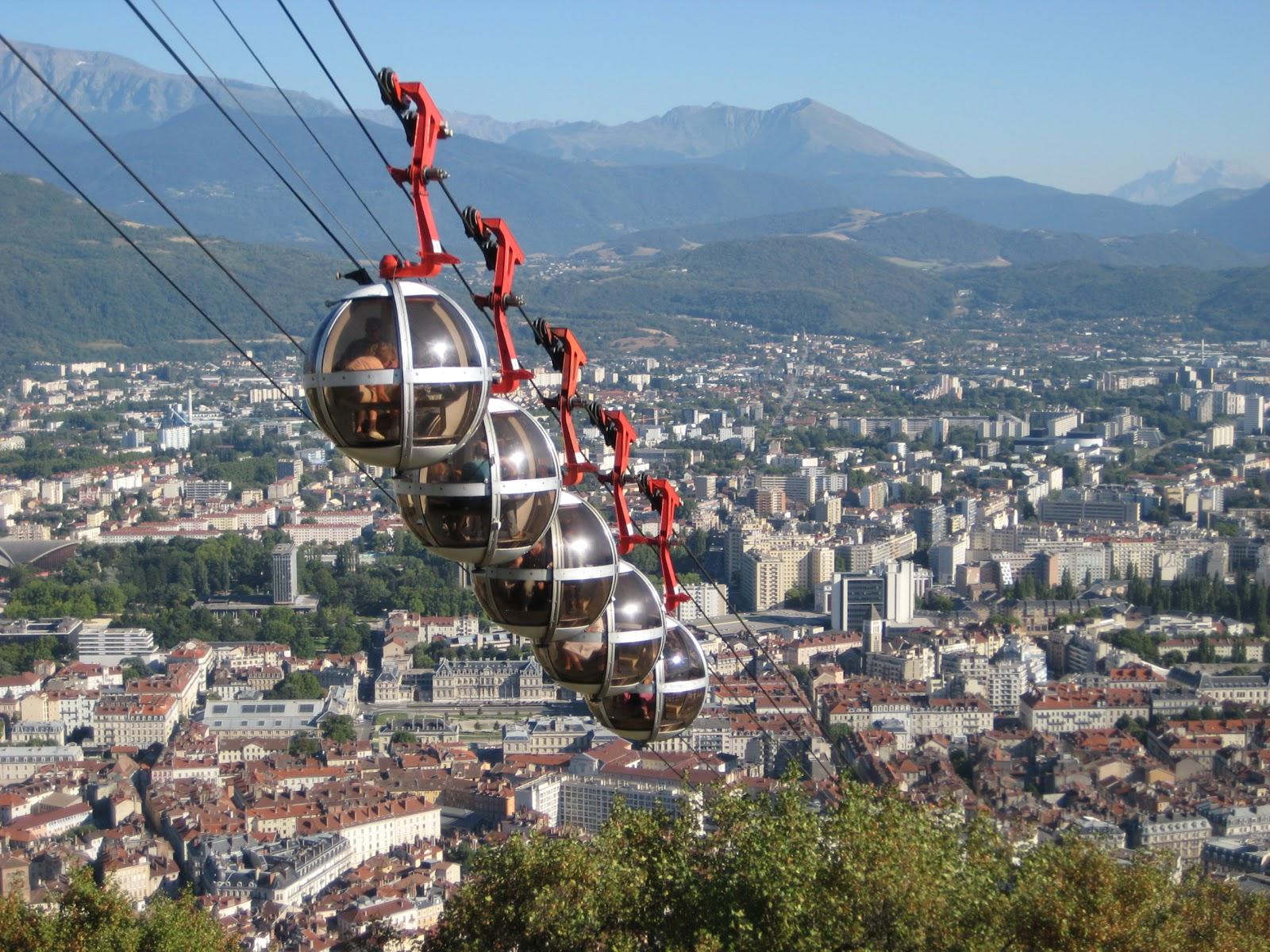 [Image: Seilbahn-Grenoble.JPG]