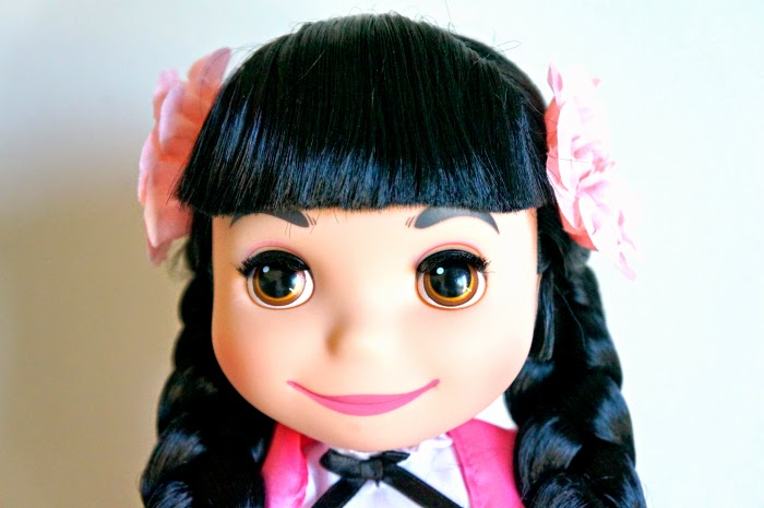 ''it's a small world'' Mexico Singing Doll // livingmividaloca.com