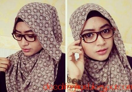 Jilbab Praktis Untuk Ke Kantor ala Natasha