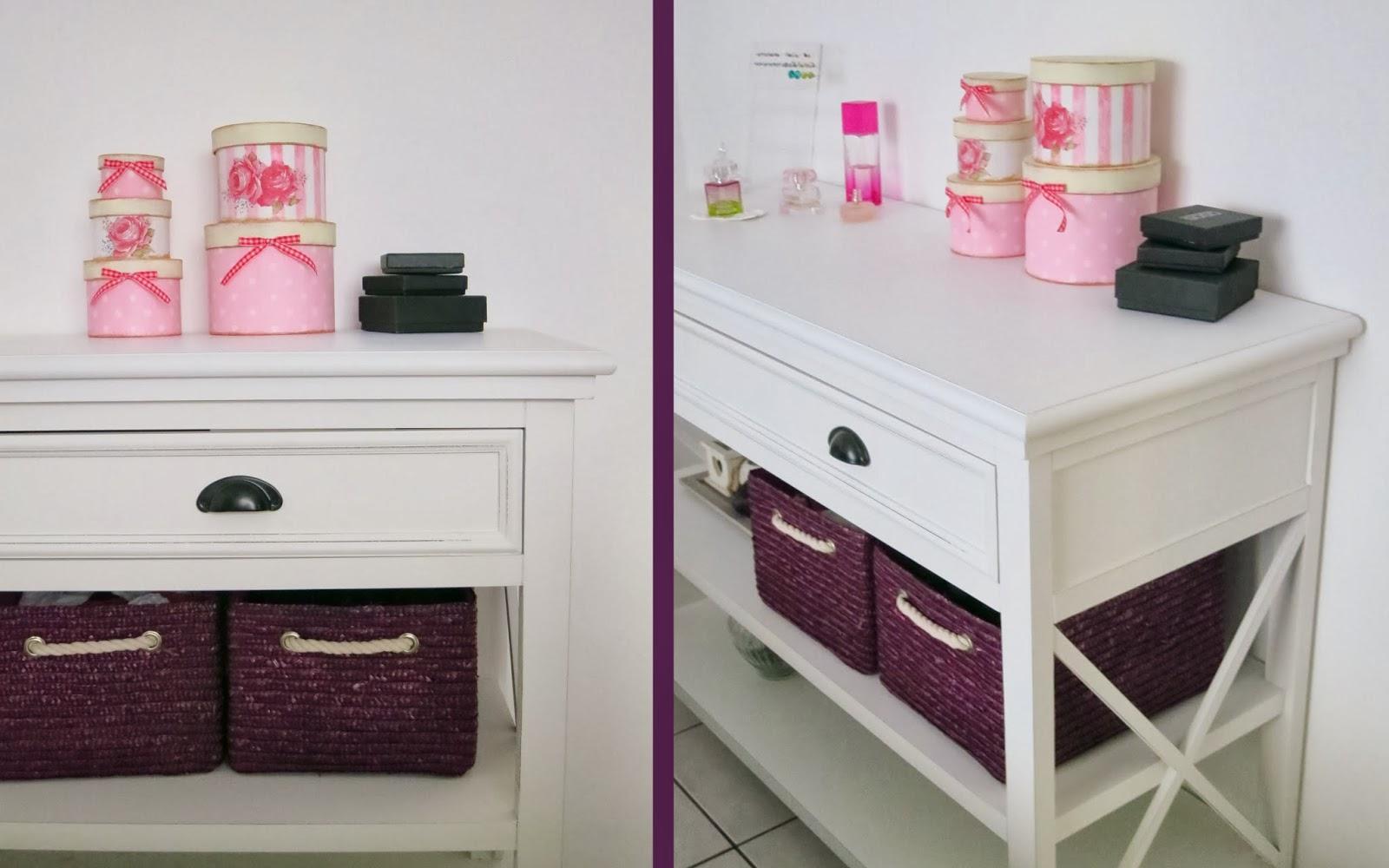 little showbox. Black Bedroom Furniture Sets. Home Design Ideas