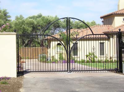 Iron Swing Driveway Gate
