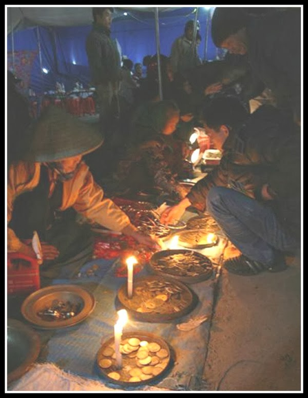Ying - Yang market at night