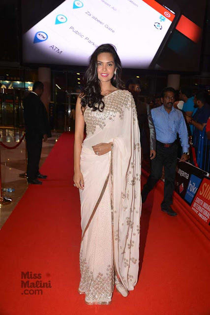 Esha Gupta in Powder Pink Embroidery Work Saree