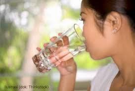 minum air di pagin hari