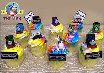 Childrens celebration party cupcakes Thomas the tank cake ideas decorating kit 15 train characters