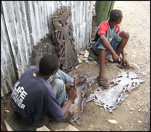 Aparador Suspenso Mercado Livre ~ A R T E S A C R A E T E M A S A F I N S Criatividade haitiana