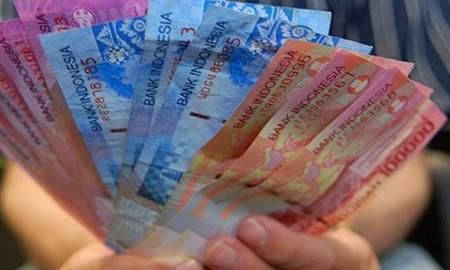 Artikel tentang cara menambah uang saku saat liburan yang mudah untuk dilakukan anak muda.
