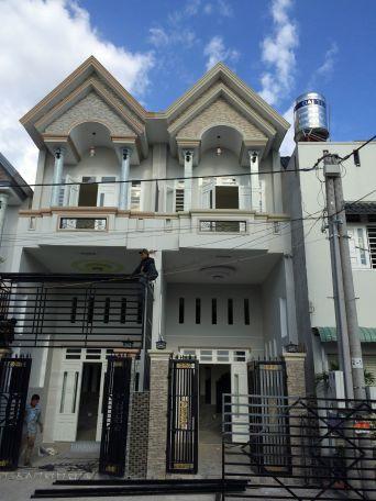 Càn bán căn nhà giá rẻ 1 lầu 1 lửng 1 trệt gần Ngã Tư 550, thị xã Dĩ An, Bình Dương, diện tích rộng