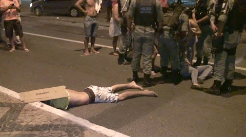 Homem morre após colidir moto em poste na avenida Barão de Gurgueia