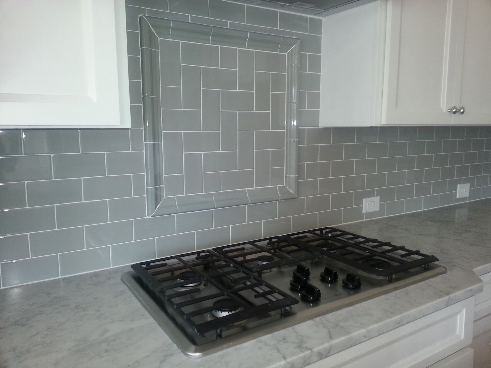 gray-subway-tile-backsplash-herringbone-inset
