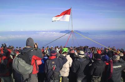 Besok, 1.500-an Pendaki Rayakan HUT RI di Semeru