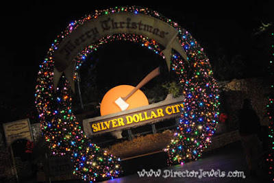 Tips and Tricks for Visiting Silver Dollar City with Young Kids (Infants & Toddlers) during the Christmas Festival.