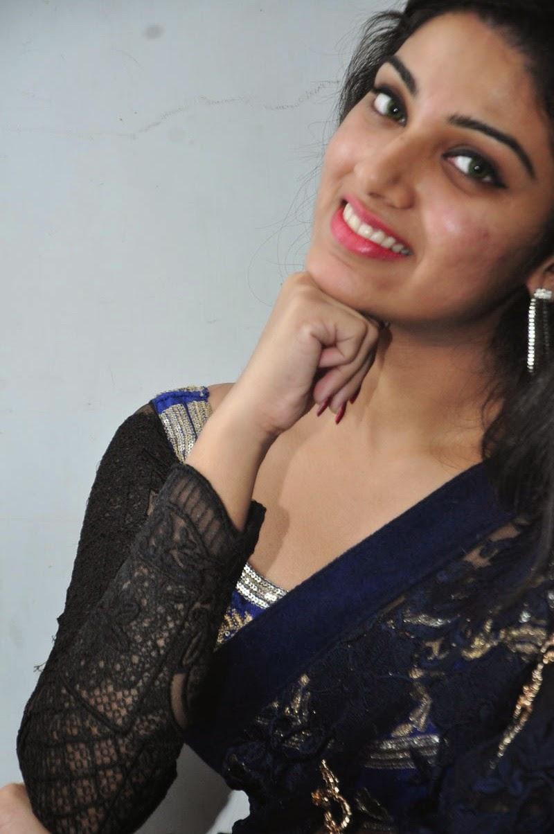 Avanthika glamorous photos in saree-HQ-Photo-20