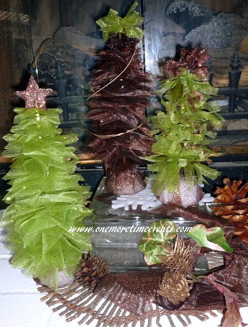 alt=&quot;Deco Mesh Christmas trees tutorial&quot;