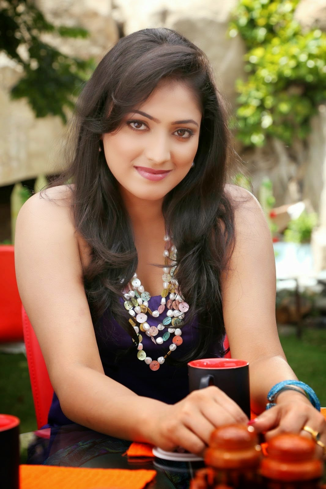 http://actresshdgalleryz.blogspot.in/2014/10/tollywood-actress-haripriya-latest.html
