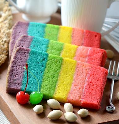 Beragam kue dengan warna menyolok sedang menjadi trend dalam dunia ...