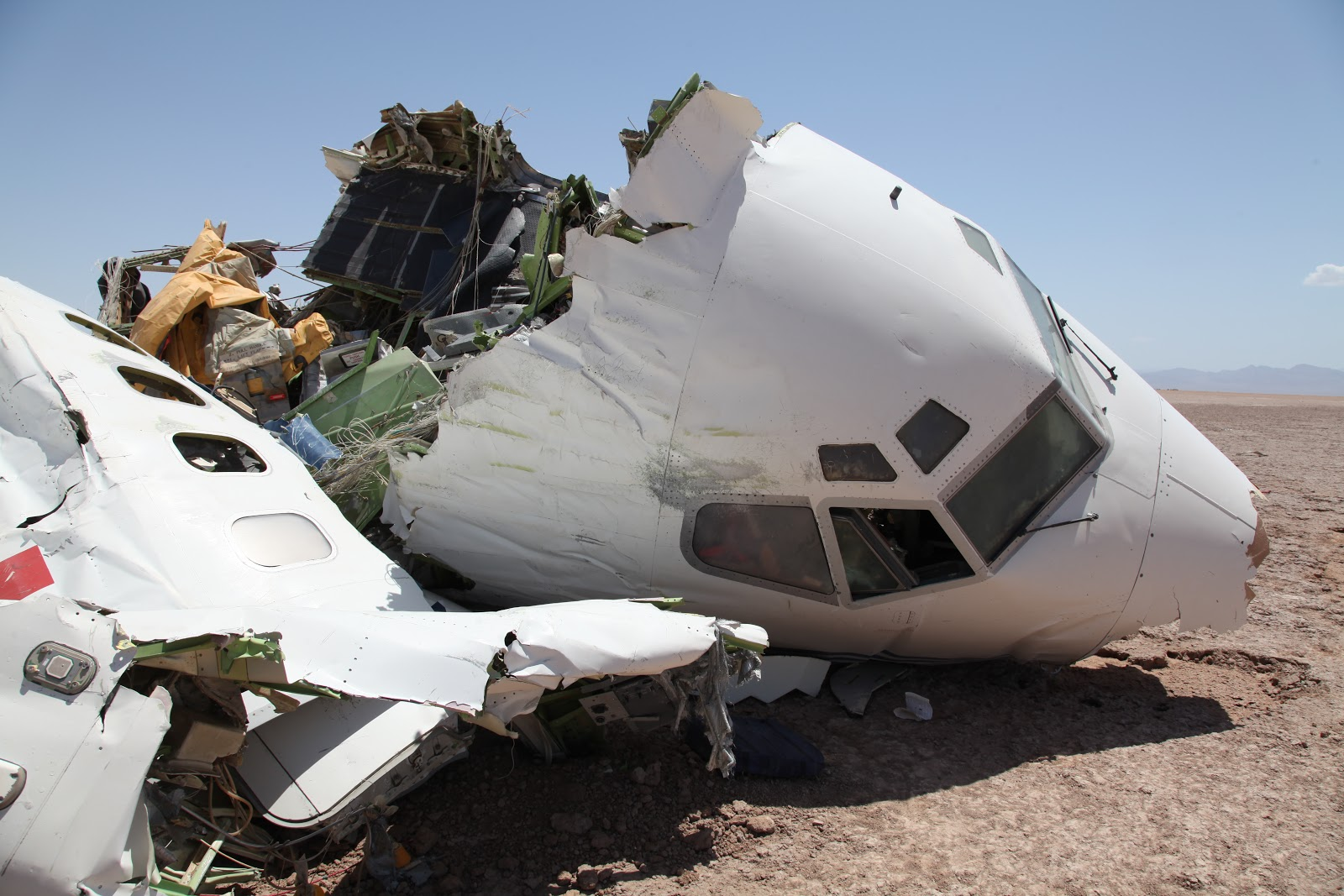 Разбитый самолет дети фото