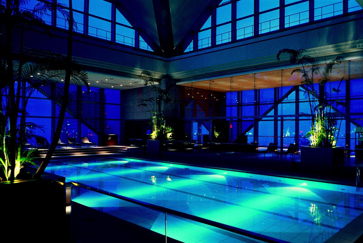PARK HYATT TOKYO  Eye Awards: The World's best luxury hotels park hyatt tokyo pool