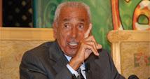 """بعد غياب طويل: محمد حسنين هيكل يكتب فى """"الأهرام"""": """"عن الأزمة الطائفية.. وغيرها"""""""