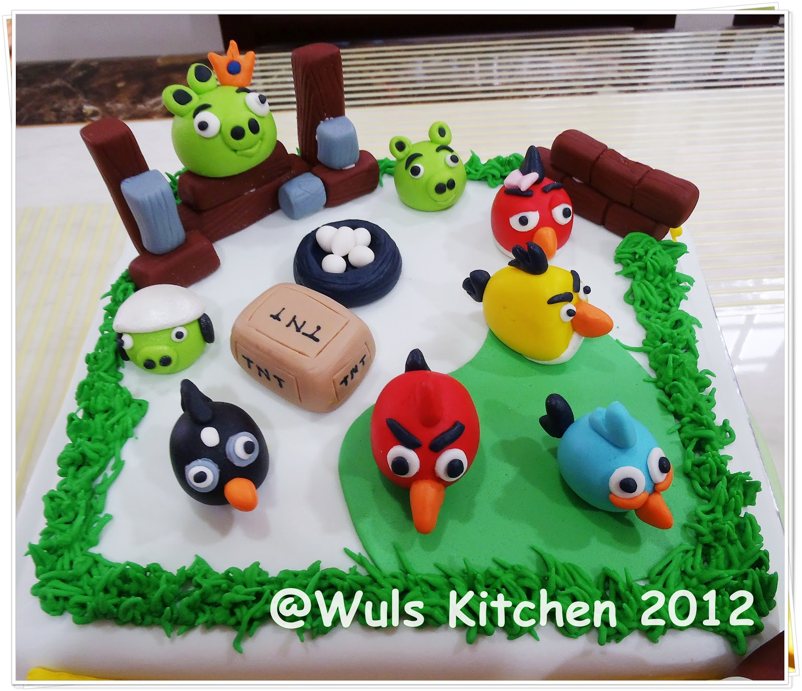 Dq Cakes Angry Bird