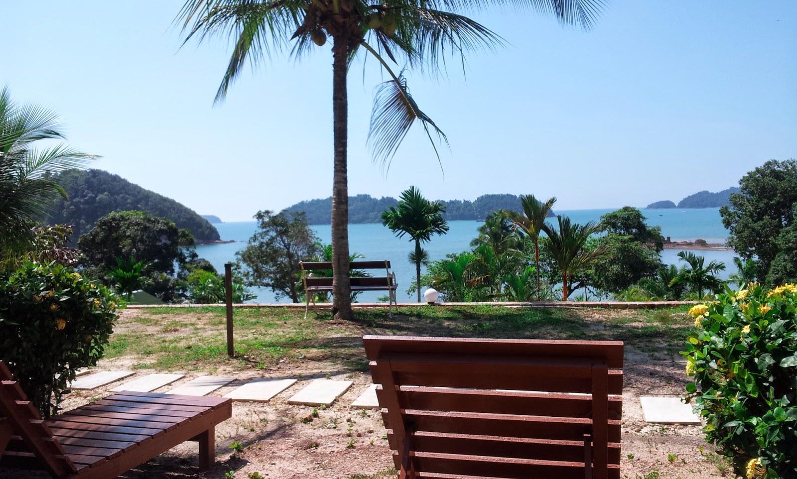 Coretan Pengembaraan Endau Beach Resort Pantai Penyabong