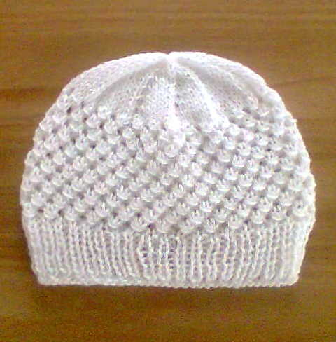 Bamboo Yarn Knitting Patterns : FREE KNITTING PATTERN 12 PLY BEANIE   KNITTING PATTERN