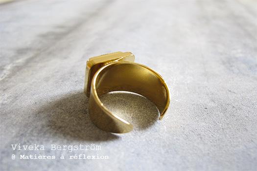 Bague Viveka Bergstrom bague dorée noire Viveka Bergstrom bijoux retro