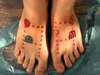 Tattoo do Pack Man nos pés