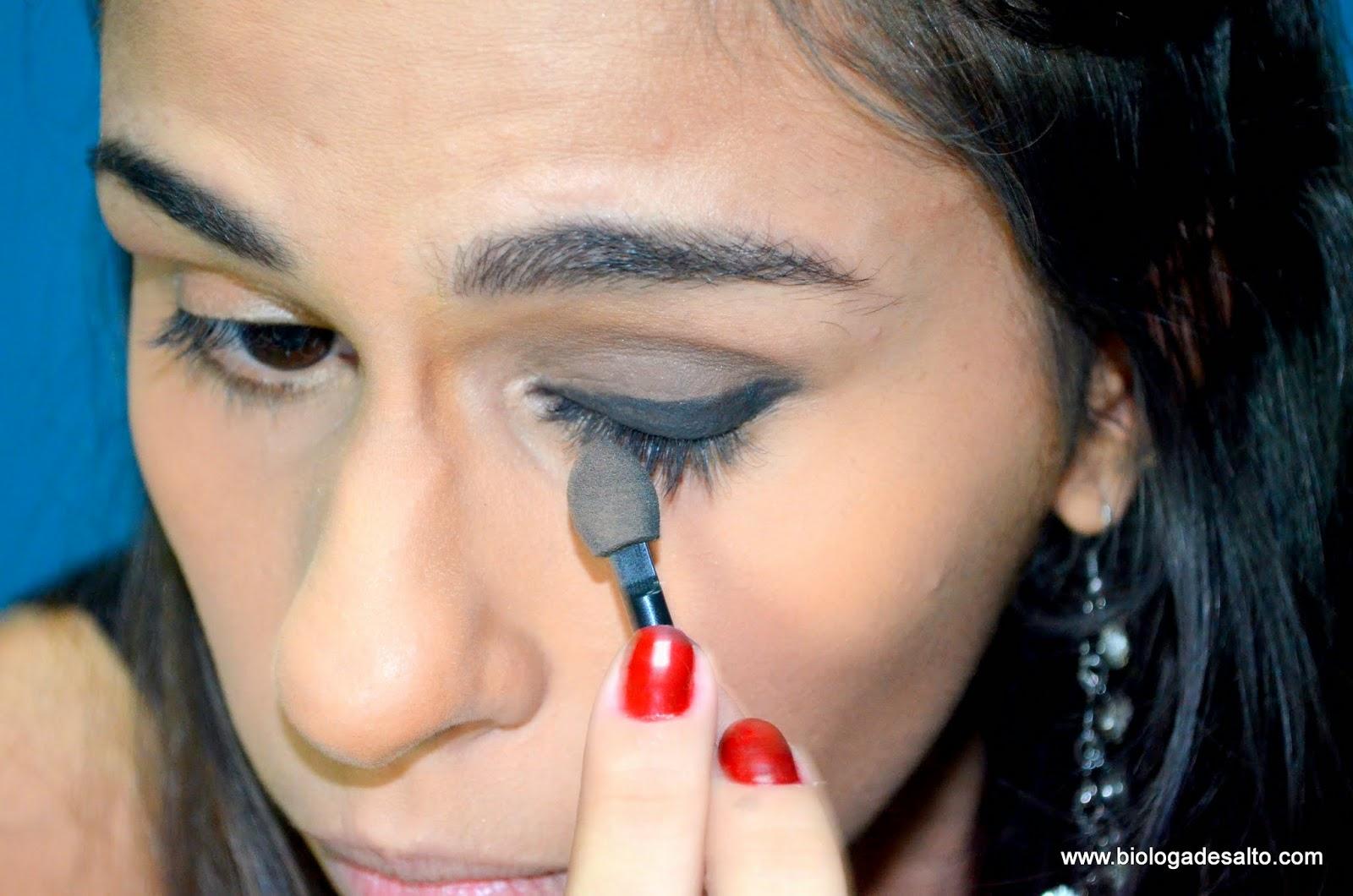 Como fazer Olho preto esfumado Bióloga de Salto