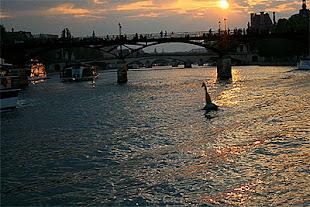 Le Pont des Arts. Escenas del puente de las leyendas