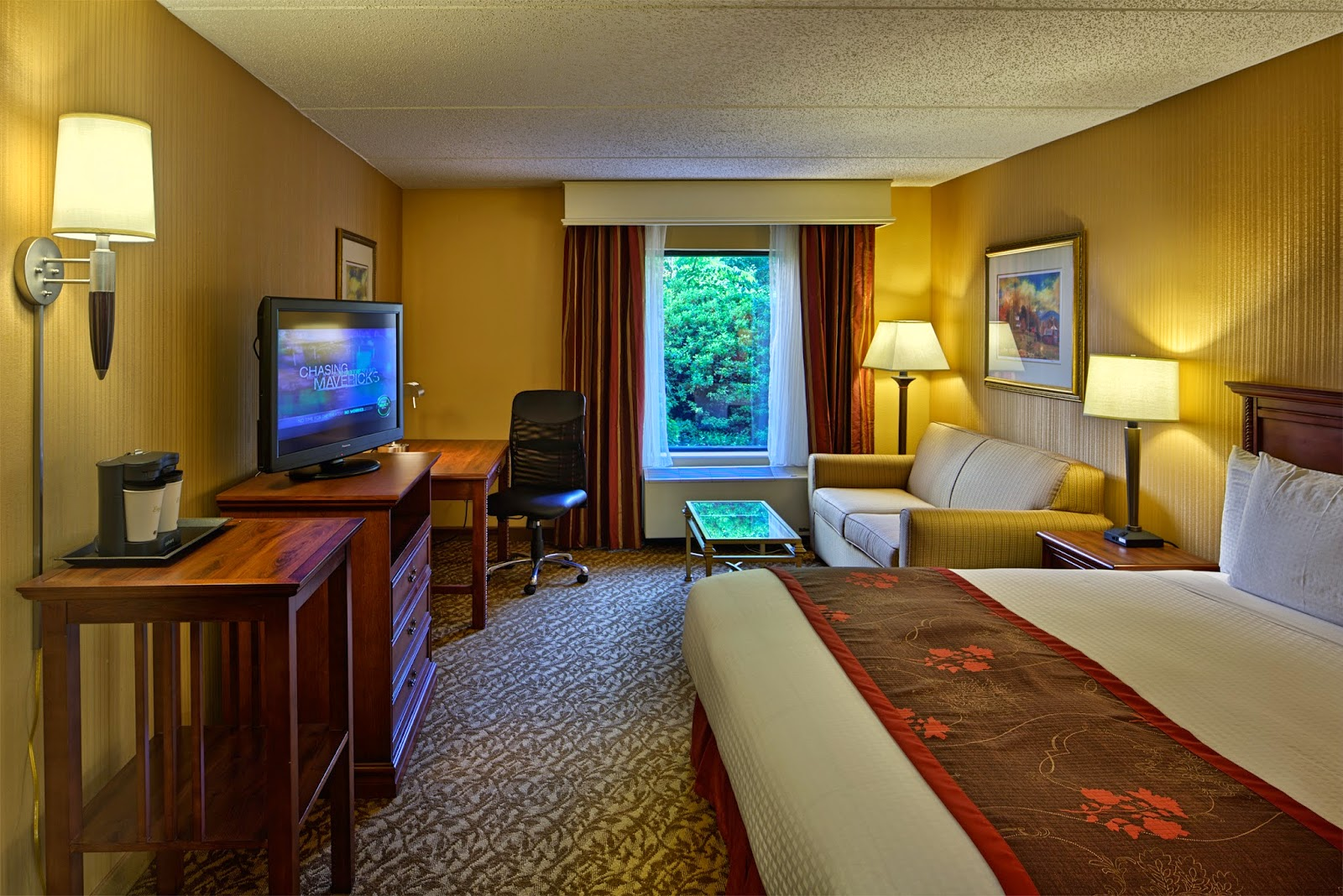Recenly renovated rooms at the DoubleTree Asheville-Biltmore