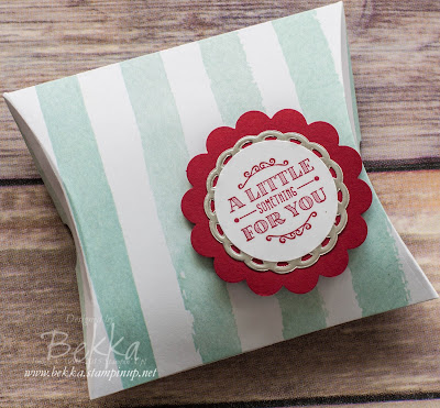 Simple Pillow Box Treat Boxes - get the details here