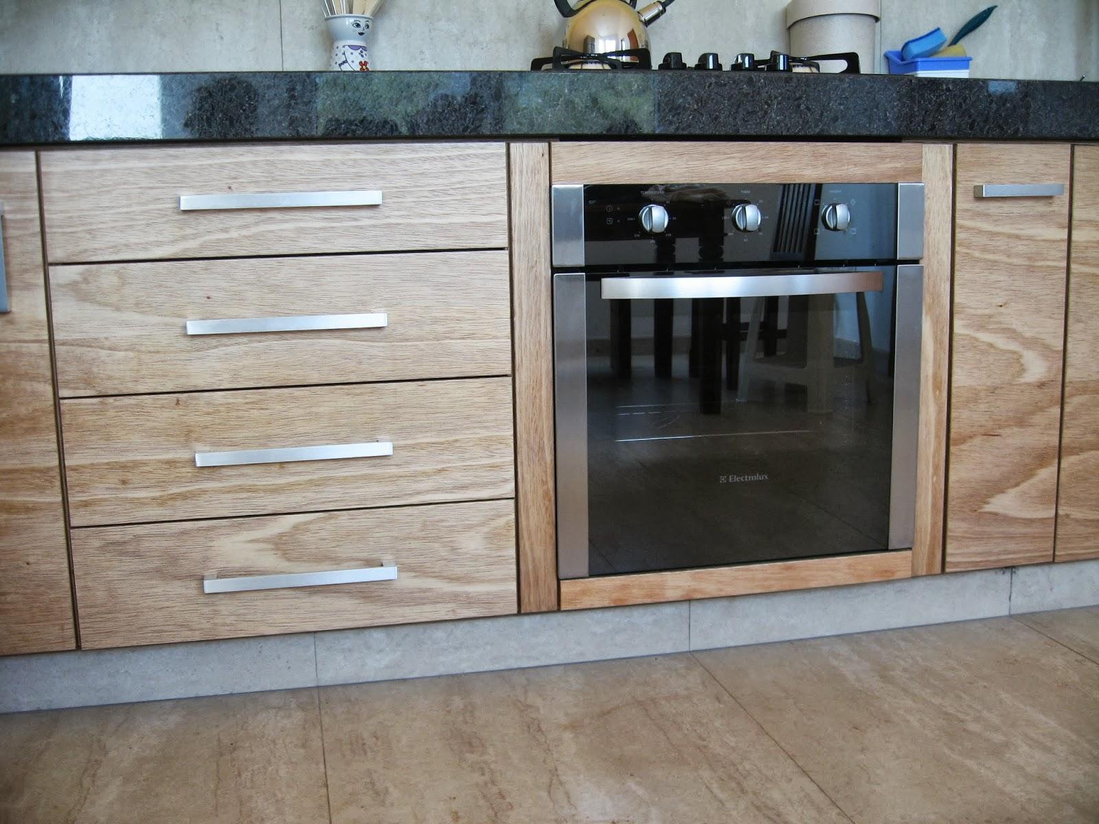 Verde Verniz: Cozinha em compensado naval envernizado com verniz PU #394D60 1600x1200