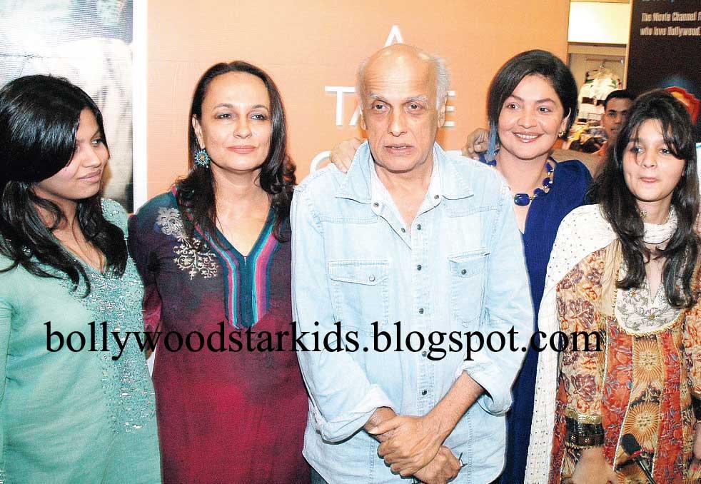 Rahul Bhatt And Pooja Bhatt Mahesh Bhatt With Wife and