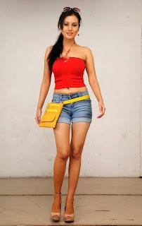 Anusmriti Sarkar Stills From Heroine Movie 10.jpg