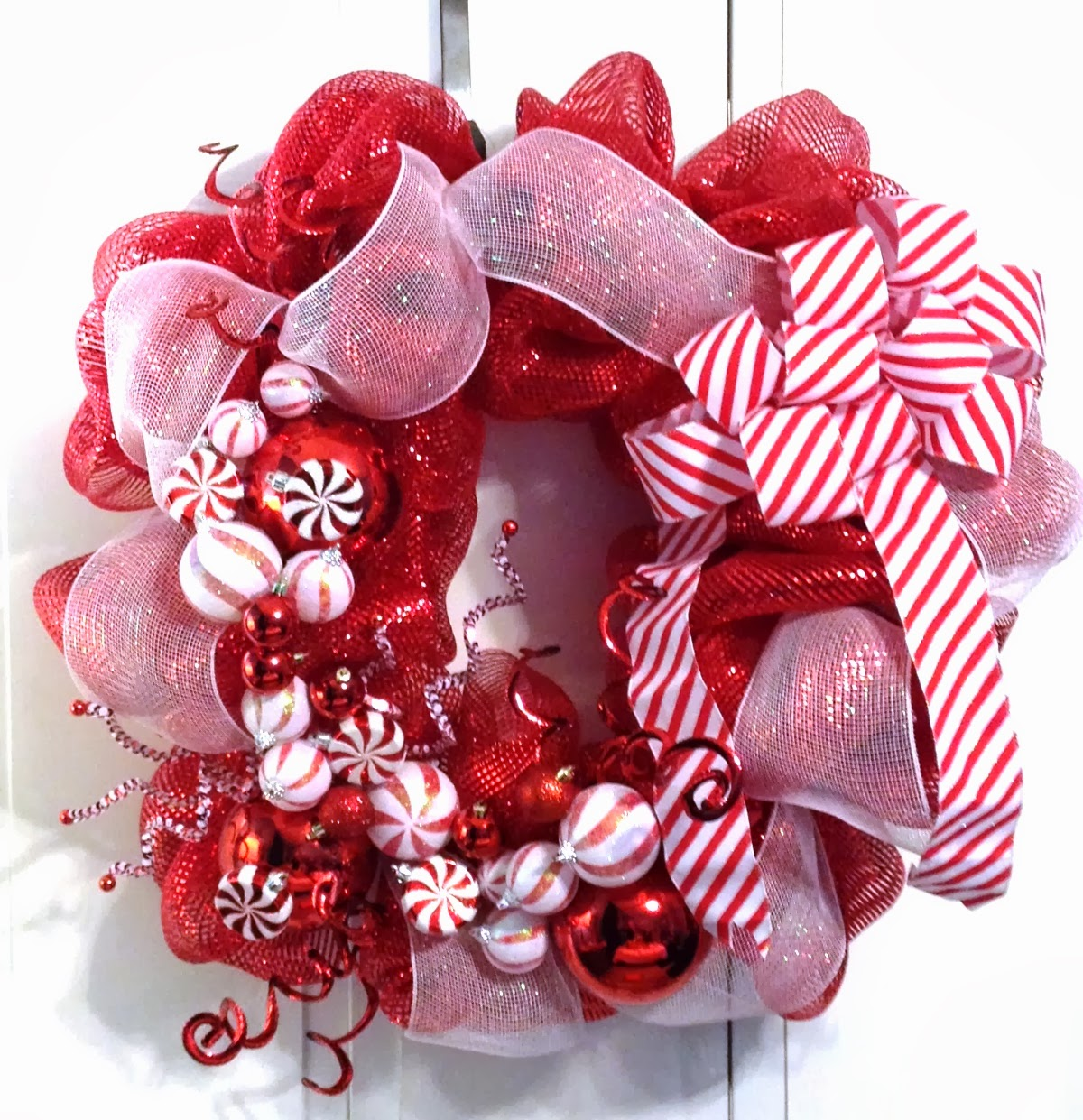 tangled wreaths christmas holiday décor wreath deco mesh red