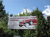 Szyld Muzeum Samochodów - Otrębusy