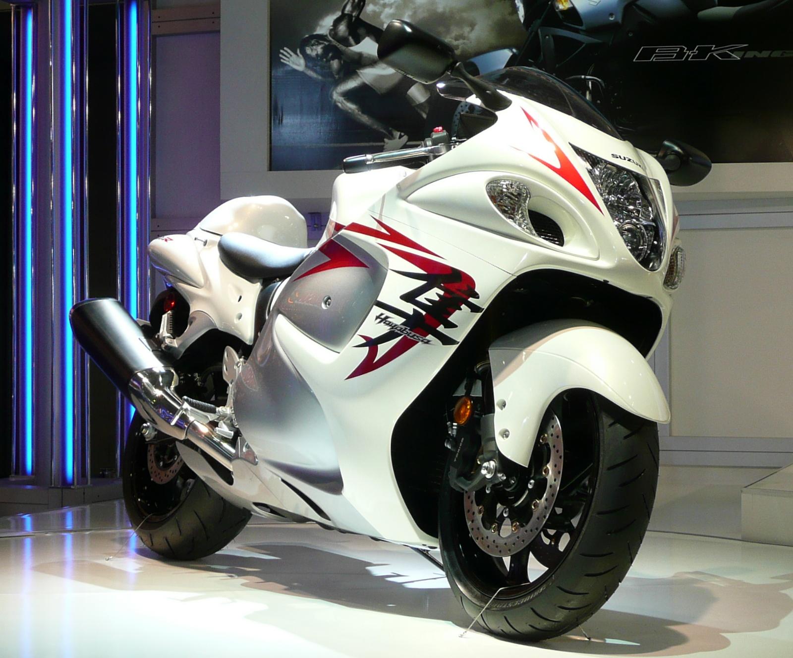 http://4.bp.blogspot.com/-KlYXpnUE_Ww/T03PtCZgYzI/AAAAAAAAA3s/3G53tknQB1M/s1600/Suzuki+Bike+Wallpaper+6.jpg