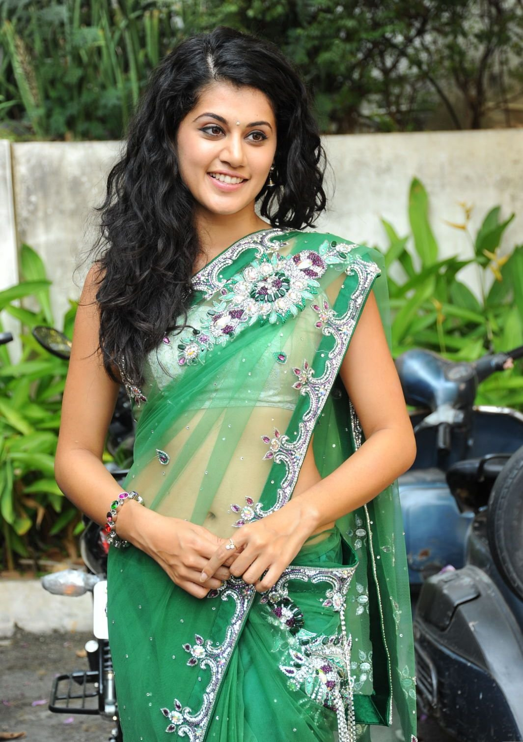 Tapsee Saree Hot Stills Navel Downloads Ajilbab Portal