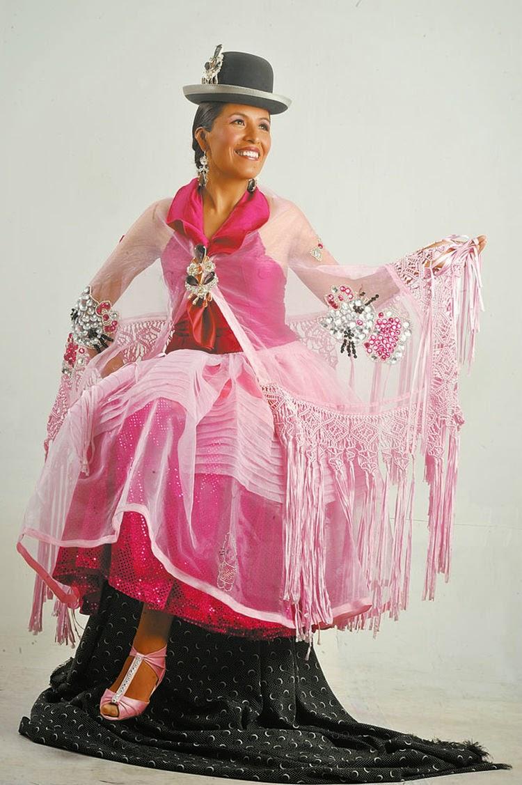Bonito Las Mujeres Se Visten Para La Fiesta Modelo - Colección de ...