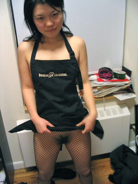 Super Cute Japanese Baskin Robbins part-time girl Yuki's filthy nude and sex photos leaked (29pix)