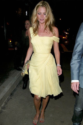 Kate Moss Vintage Elbisesi ile New York Partisi 2003
