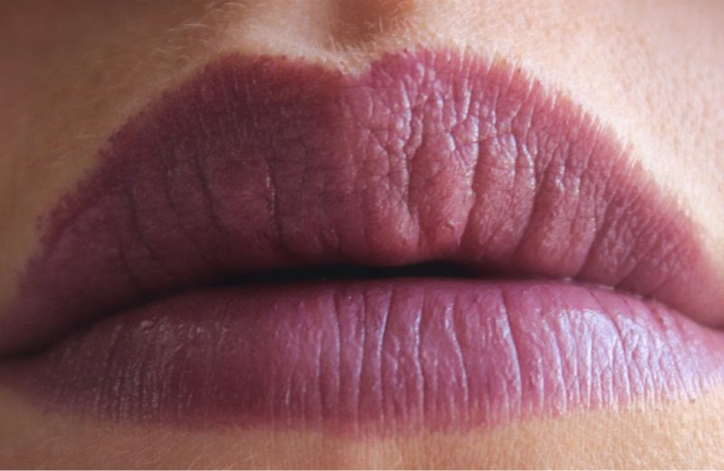 MAC Patent Polish Lip Pencil in Sultana