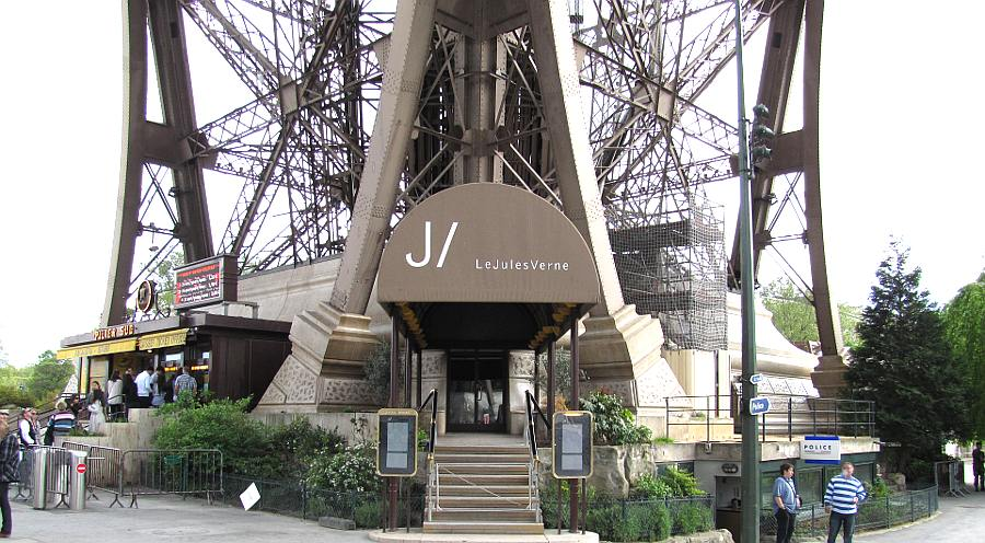 Passion For Luxury Le Jules Verne Restaurant