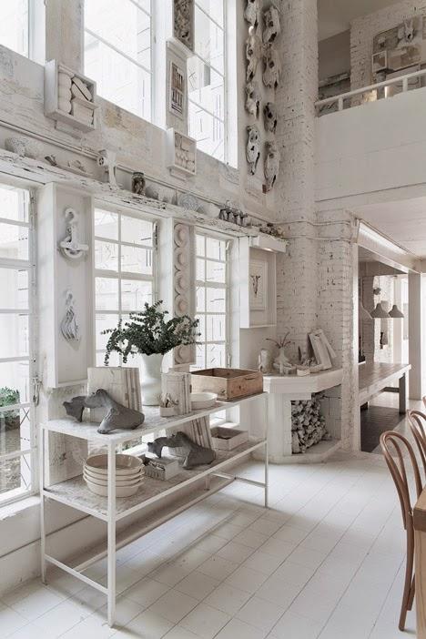 gaya-interior-dan-dekorasi-unik-ribuan-tulang-hewan-di-rumah-makan-Hueso-007