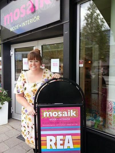 REA på Mosaik klänning från agencies turQuoise