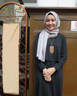 Foto Trend Hijab Monokrom 2016 Mega Iskanti Hijaber Indonesia